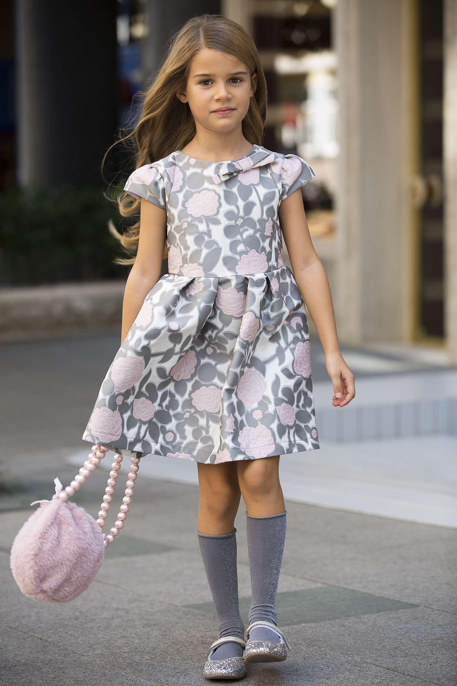 Детски рокли за нова година